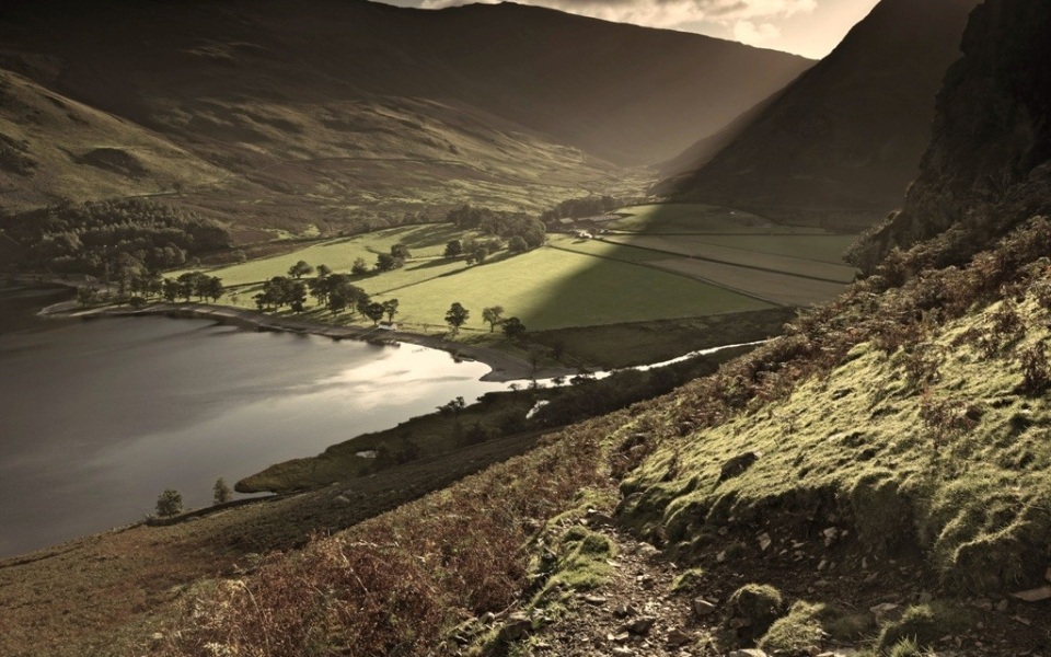 Buttermere-Garth-Farm-From-Low-Crags-2